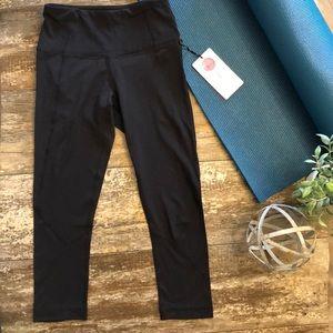NWT Soft YogaLicious Black Capri